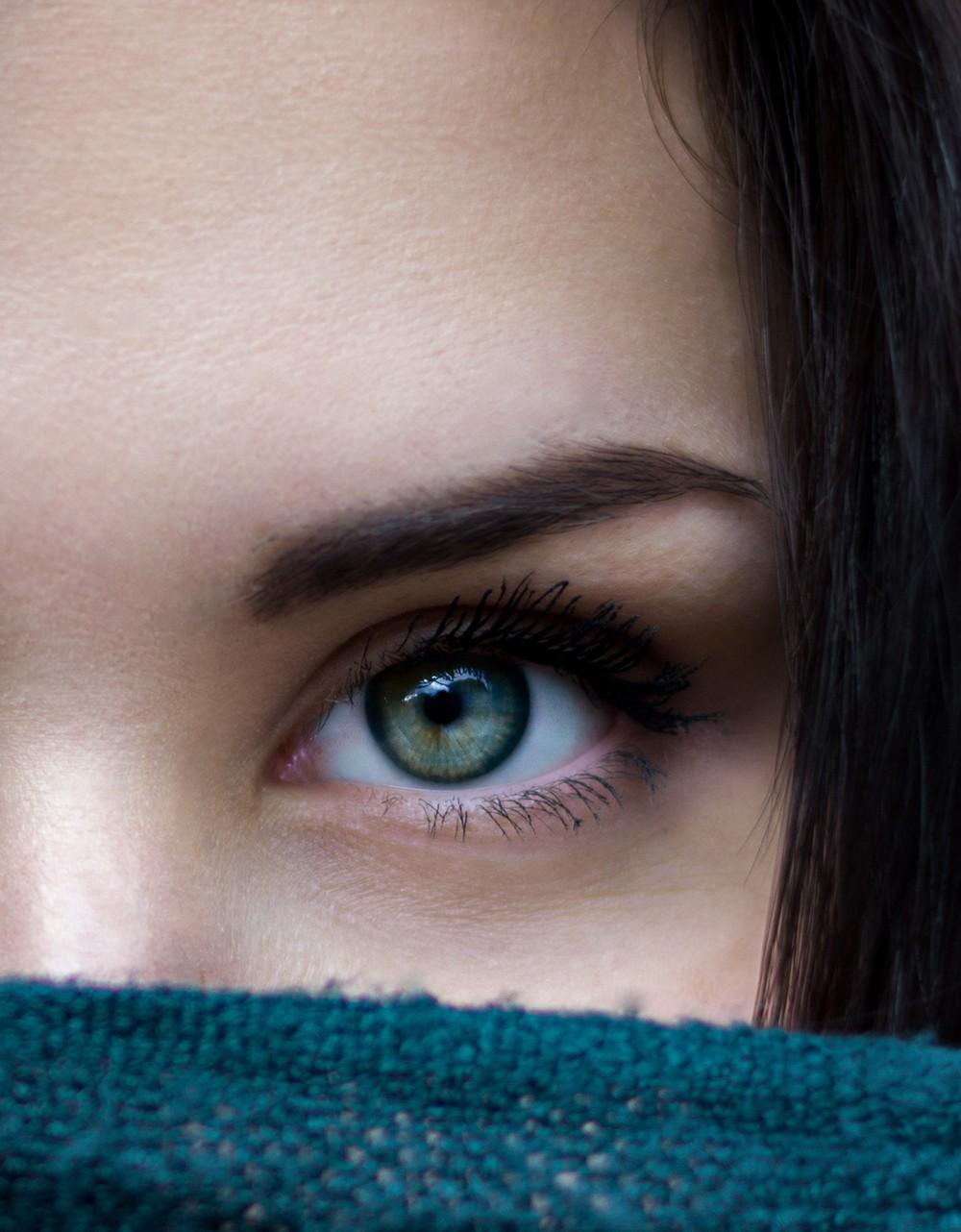 Spa White Dermal contorno de los ojos de Gisele Delorme